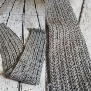 Men's Crochet Light Gray Scarf
